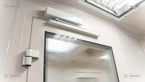 clean-room-door-hinged-mechanism