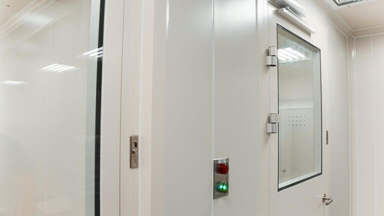 Why is an Interlocking Door System Safe for your Cleanrooms